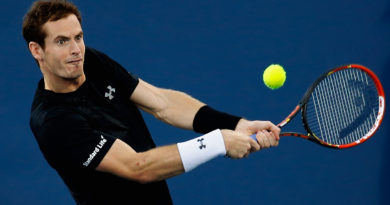 CINCINNATI, OH - AUGUST 20:  Andy Murray of Great Britain returns a shot to Grigor Dimitrov of Bulgaria during the Western & Southern Open at the Linder Family Tennis Center on August 20, 2015 in Cincinnati, Ohio.  (Photo by Rob Carr/Getty Images)